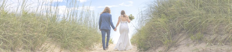 Elope on the beautiful Outer Banks with Wedding Knots Tied!  photo by https://www.boldnblonde.com/