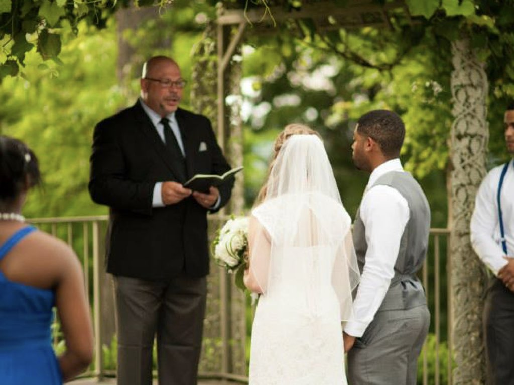 Wedding Officiant Pastor Minister in Saint Louis St Charles MO