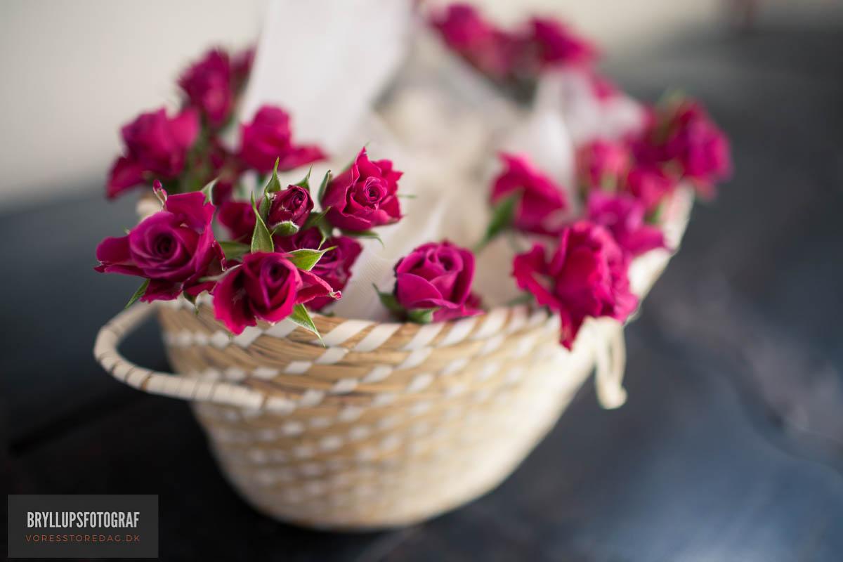 Ideas For Spring Wedding Flowers in Season