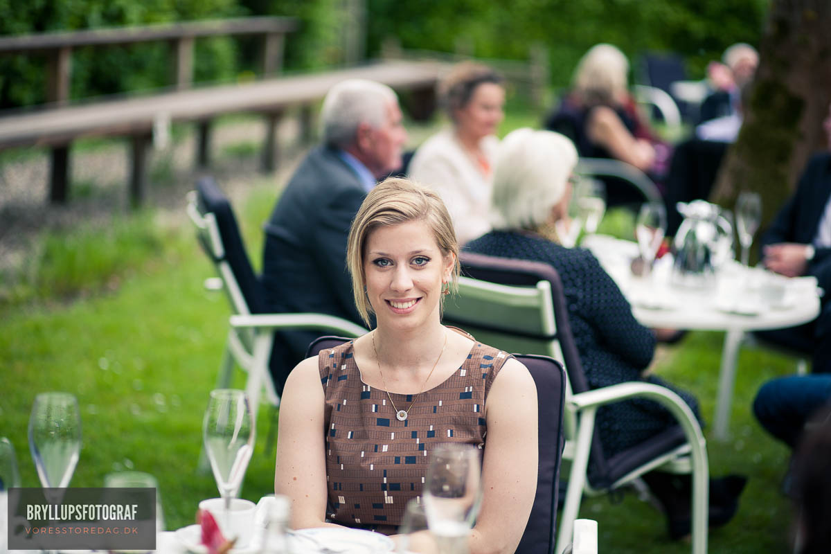 How to Dress and What To Wear To Summer Weddings
