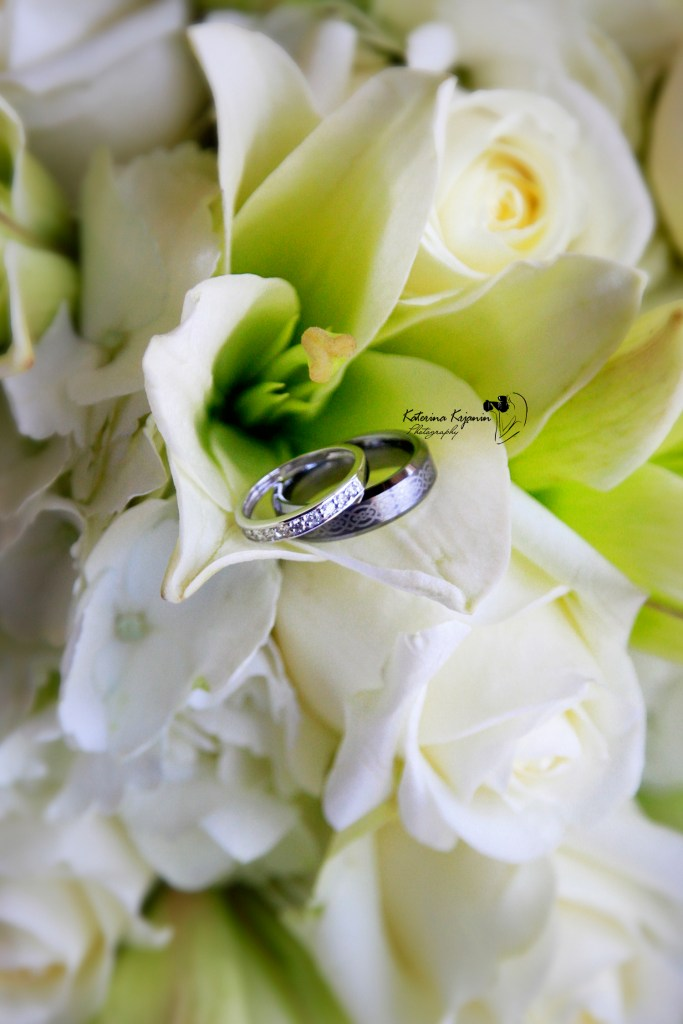 Wedding photography, beach wedding services and bridal portraits
