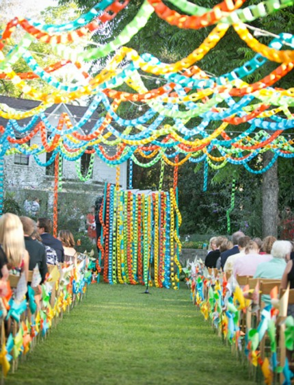 Paperchain Wedding via Green Wedding Shoes