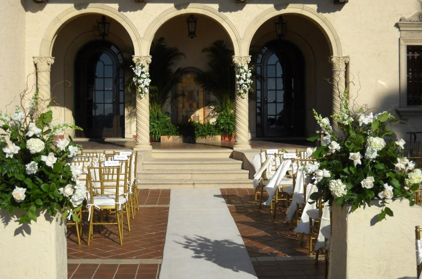 Wedding Flowers for Ceremony at Powel Crosley Museum