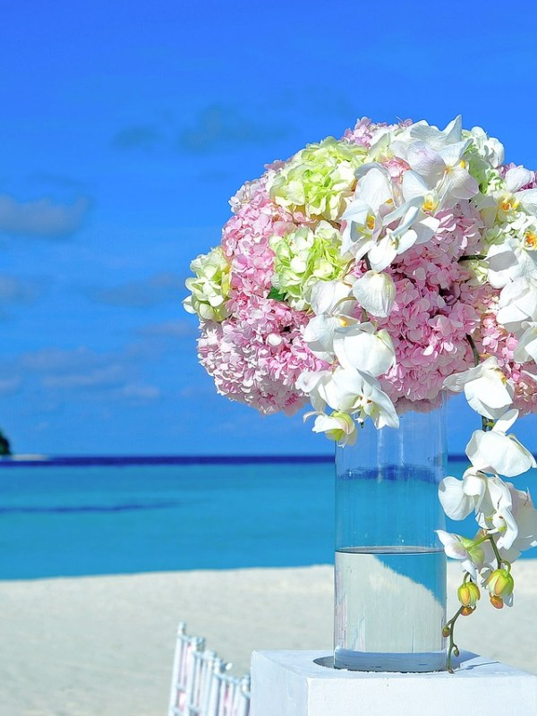 Finding Perfect Flowers Wedding - Destination Wedding Floral Inspiration - WeddingsAbroad.com