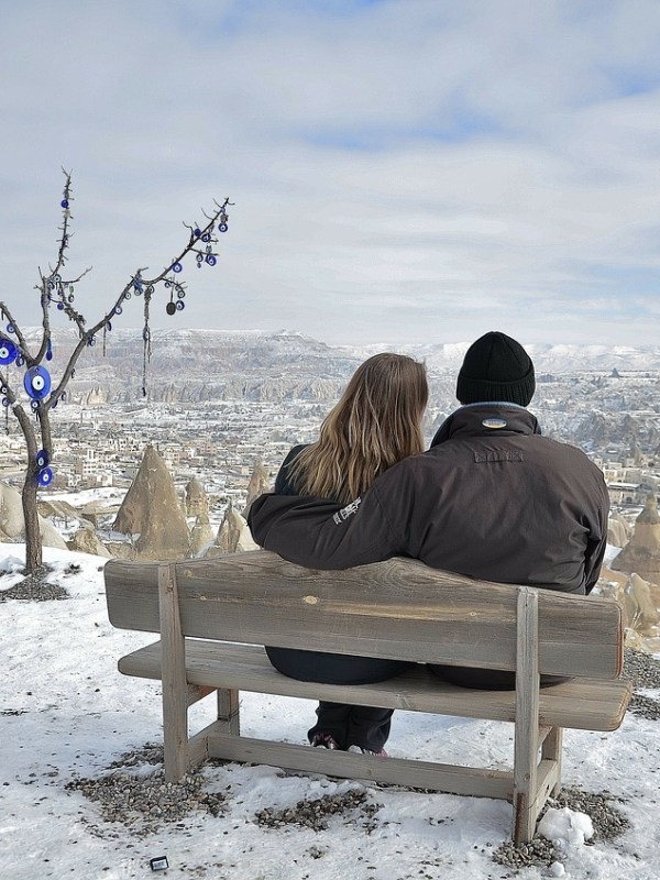 romantic Winter Proposal - weddingsabroad.com