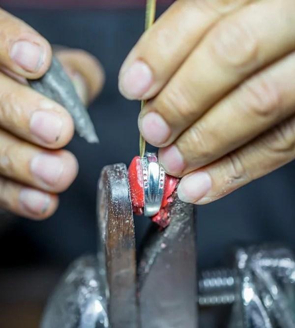 How to Find a Reputable Jeweler - Precious Stones Processing - WeddingsAbroad.com