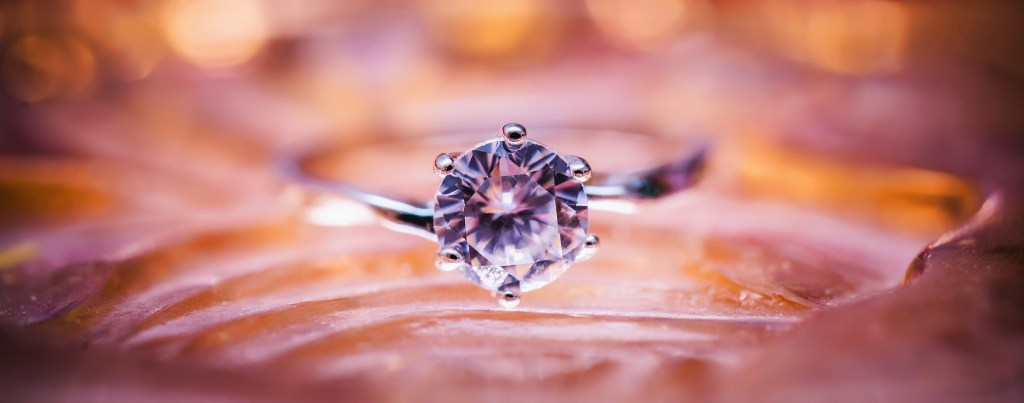 How to Find a Reputable Jeweler - WeddingsAbroad.com