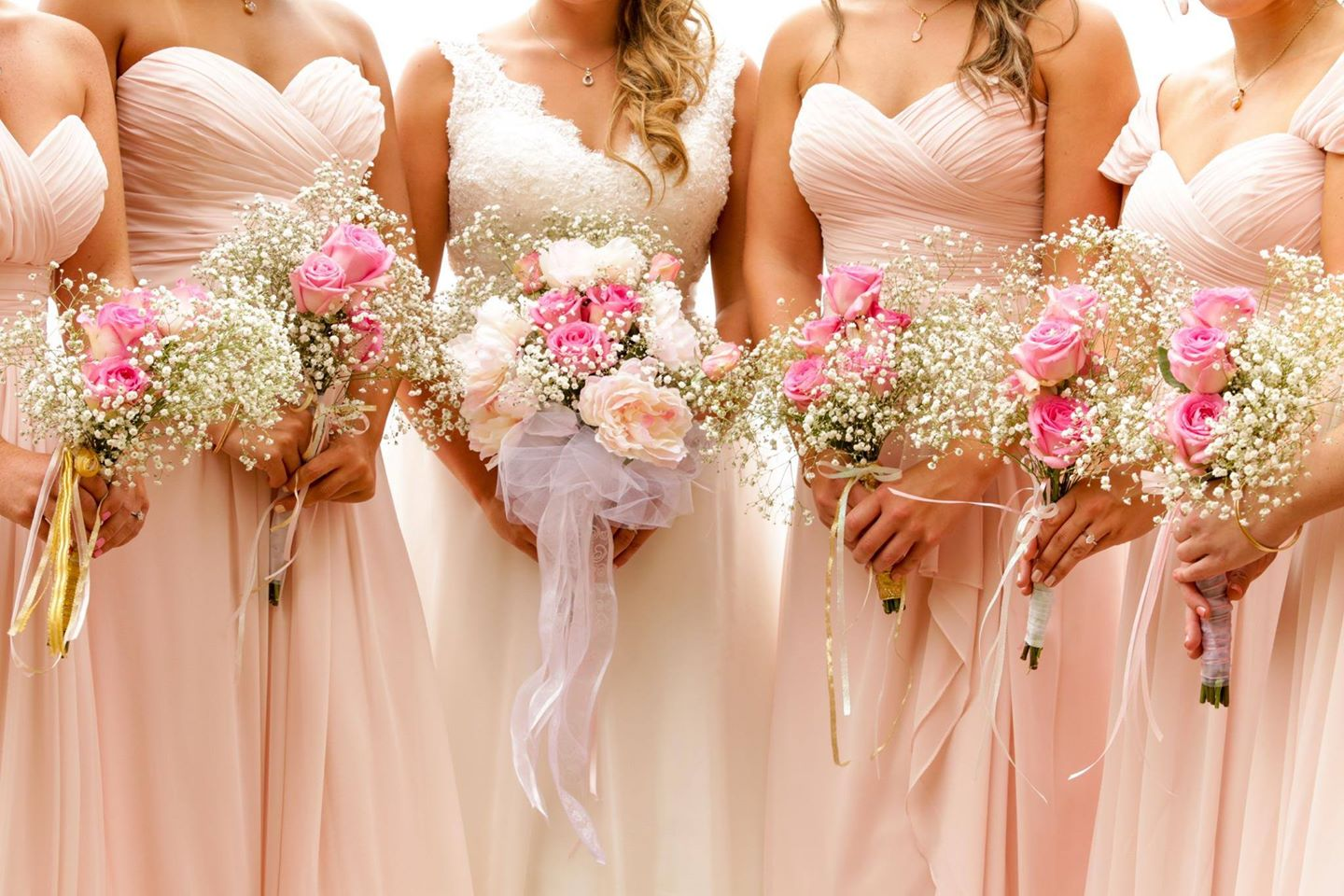 Wedding Flowers - Money Saving Tips - WeddingsAbroad.com