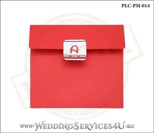 Plic Patrat pentru invitatie de Botez Colorat Personalizat realizat din carton rosu mat cu Monograma Aplicata. PLC-PM-014-1