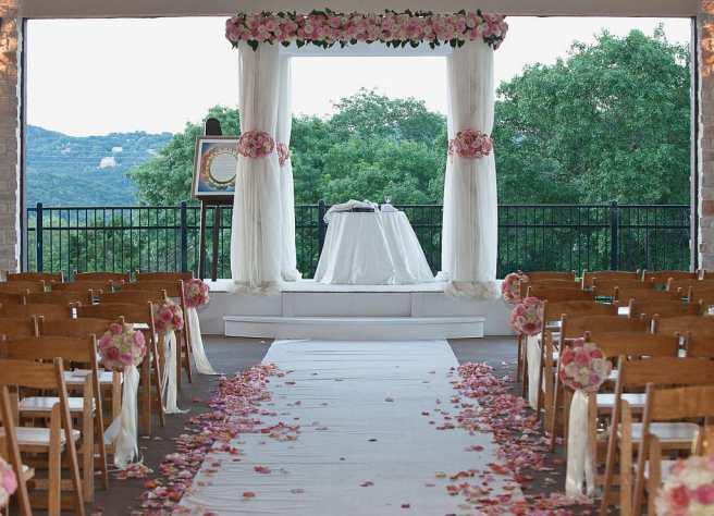 wedding ceemony aisle ready for processional