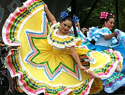 Cinco de Mayo dancers