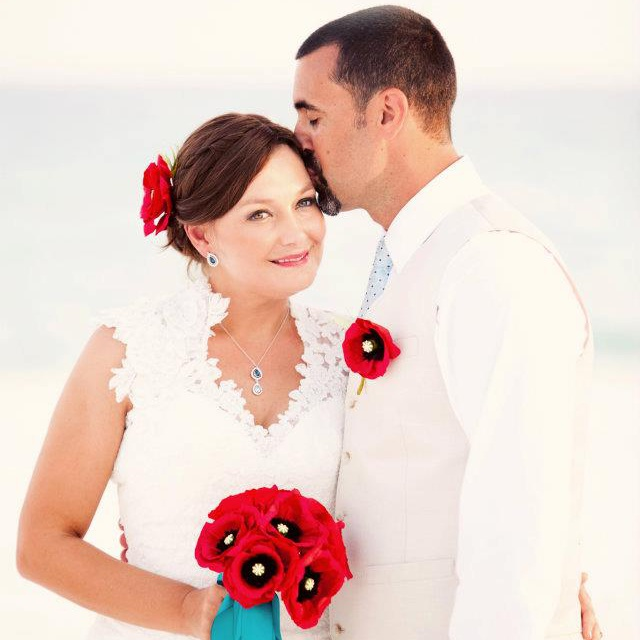 Laura + Eric | Turquoise and Poppy Destination Beach Wedding