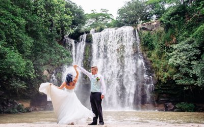 Llanos del Cortes Waterfall Elopement