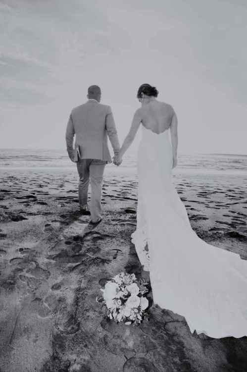 weddings-costa-rica-beach-bride-groom