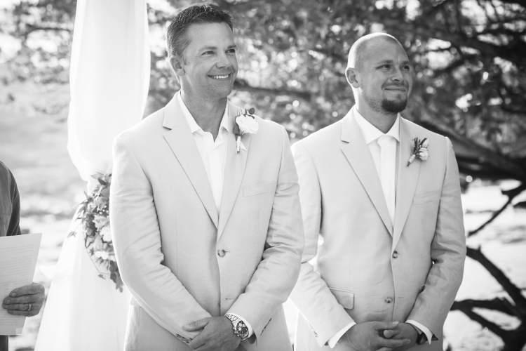 groom-awaiting-bride