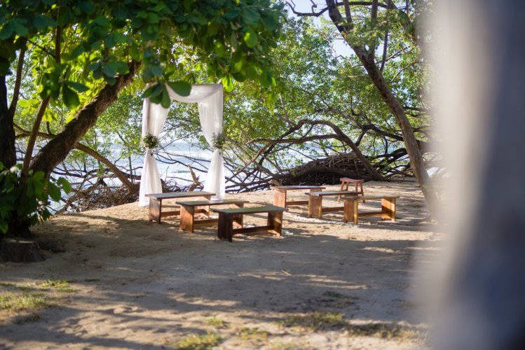 beach-wedding-ceremony-set-up-costa-rica