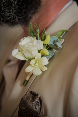 groom-bout-rose-eucalyptus