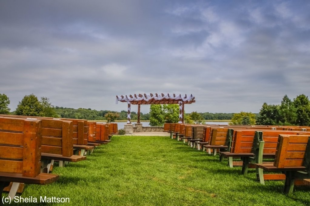 Outdoor wedding at Horse and Hunt at Lakeville Weddings