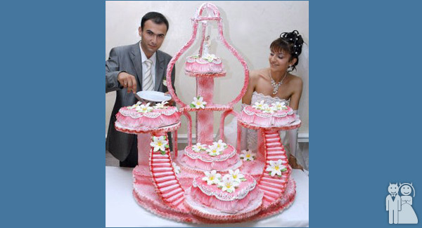 The Cake With Stairs Wedding Unveils Funny Wedding Photos