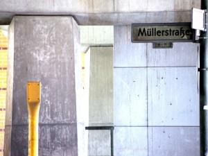 S-Bahnhof Wedding,Müllerstraße,Straßenschild
