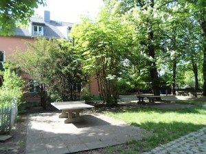 Garten vom Jugendgästehaus am Nordufer Berlin Wedding