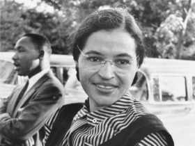 Rosa Parks um 1955 mit Martin Luther King ©USIA