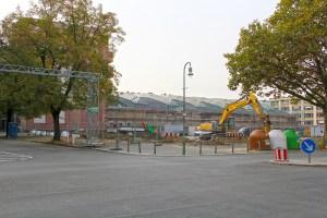 An der Ecke Usedomer und Wattstraße hat der Bau eines Miethauses begonnen. Foto: Hensel