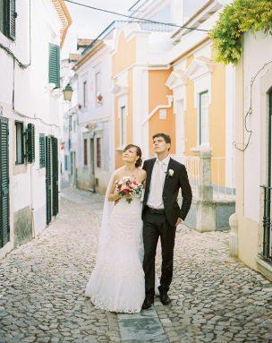 На берегу океана: свадьба Ани и Сережи в Португалии