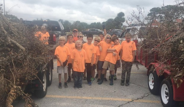 Pack 137 Cub Scouts Help out with Irma Debris
