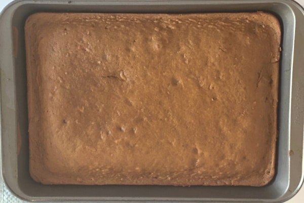 Cake Fresh out of the oven