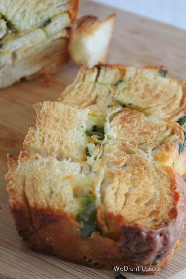 Easy Cheesy Jalapeno Garlic Pull Apart Bread