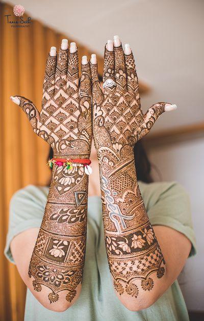 Indian Bridal Mehndi Designs For Hands: Best Bridal Mehndi Design Images for Hands 6 Legs - Wedlockindia.comrh:wedlockindia.com,Design