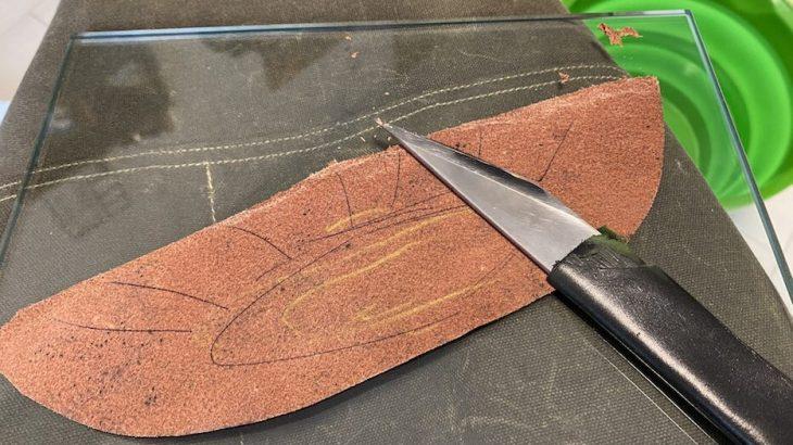 木型から作る靴づくり第66回_かかと芯のスカイビング