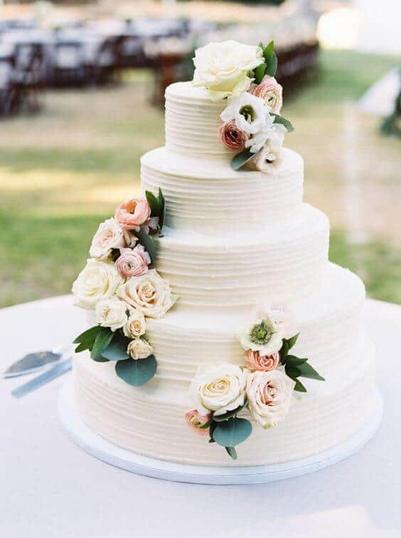41 of the Best Wedding Cake Designs You Can Find Online Our blog loves great ideas  from bride to groom  all kinds of wedding things