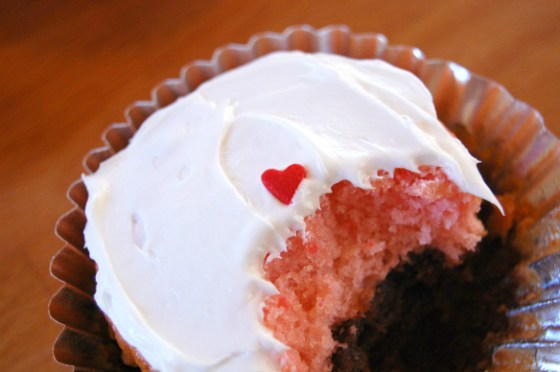 strawberry chocolate cupcake 1