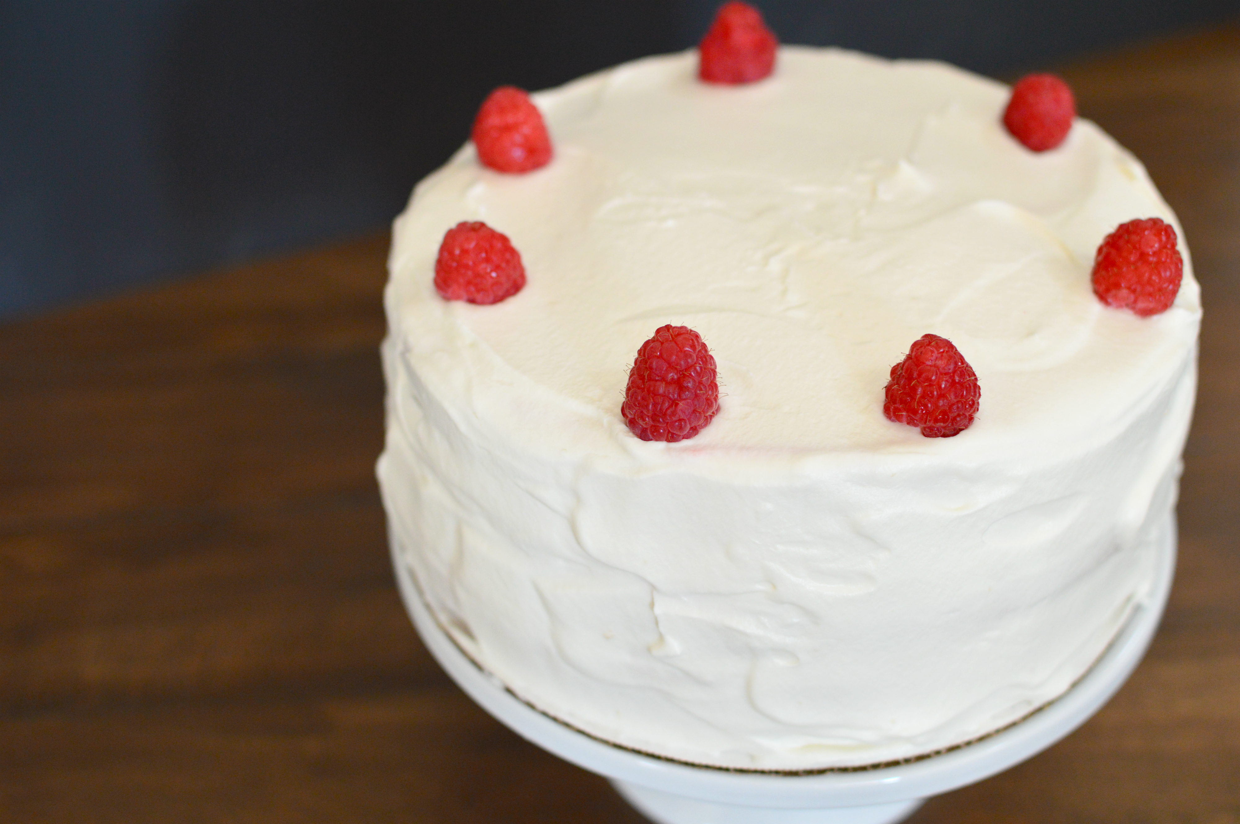 wee hacks her wedding cake - white cake with berries and whipped ...