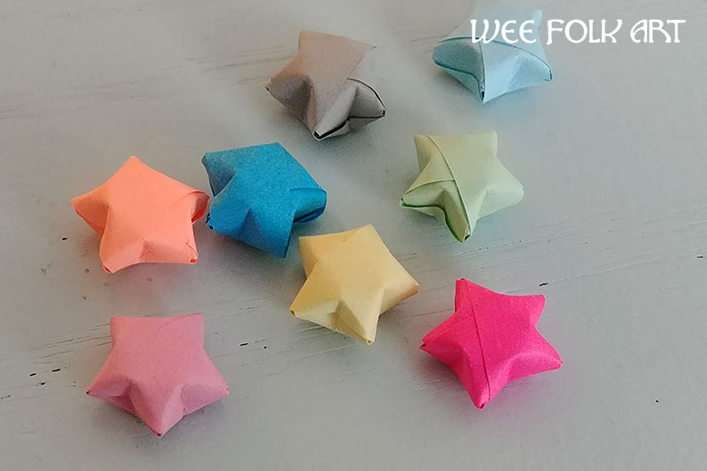 Origami Paper Star Tutorial :: Lucky Stars