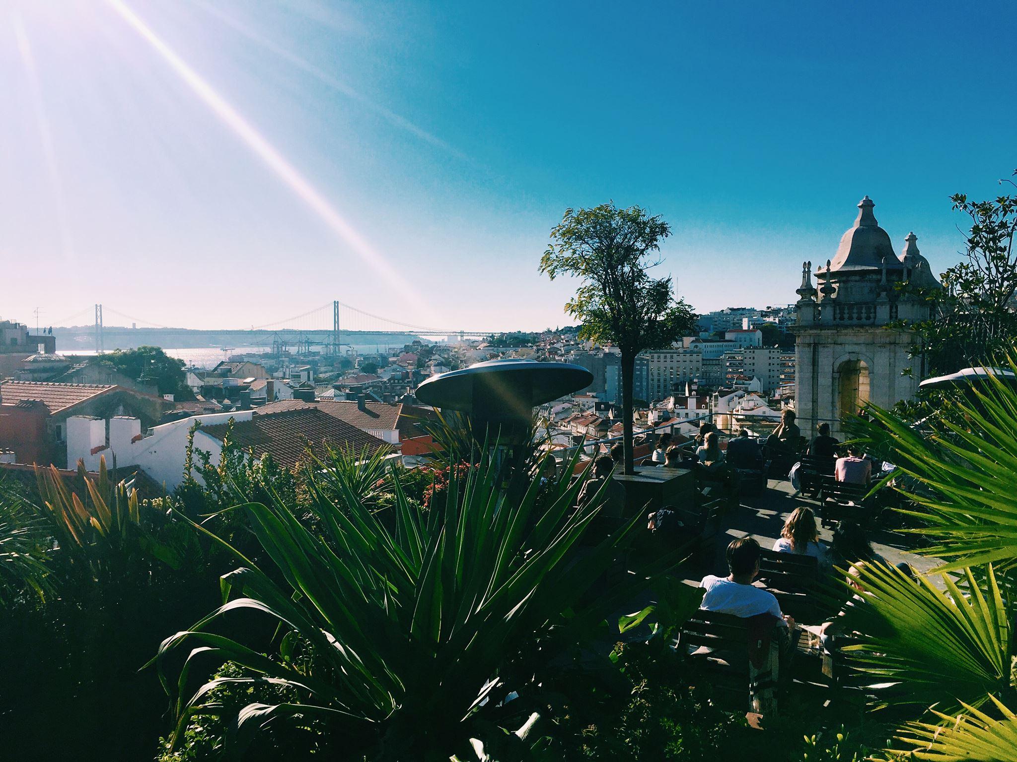 Les 10 plus belles terrasses avec vue sur lisbonne en 2018 for Vue sur terrasse