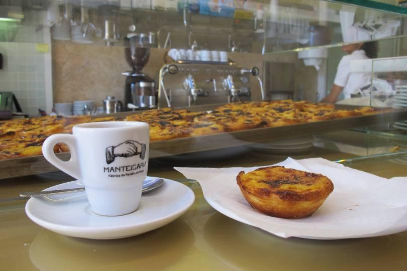 Cafe et nata de chez Manteigaria - Meilleurs pasteis de nata - Lisbonne
