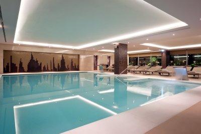 Piscine intérieure Epic Sana Hotel - Hotel 4 étoiles - Lisbonne