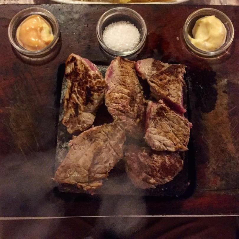 adega-das-gravatas-plat-de-viande-grille-restaurant-lisbonne