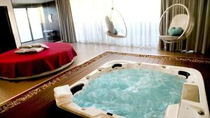 Seven Motel - Chambre avec Jacuzzi Prive - Hotel Seixal Lisbonne