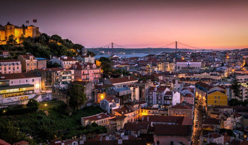 Vue de Lisbonne depuis le belvedere de Graça - Nossa Senhora do Monte - Lisbonne - Photo flickr Nick Moulds