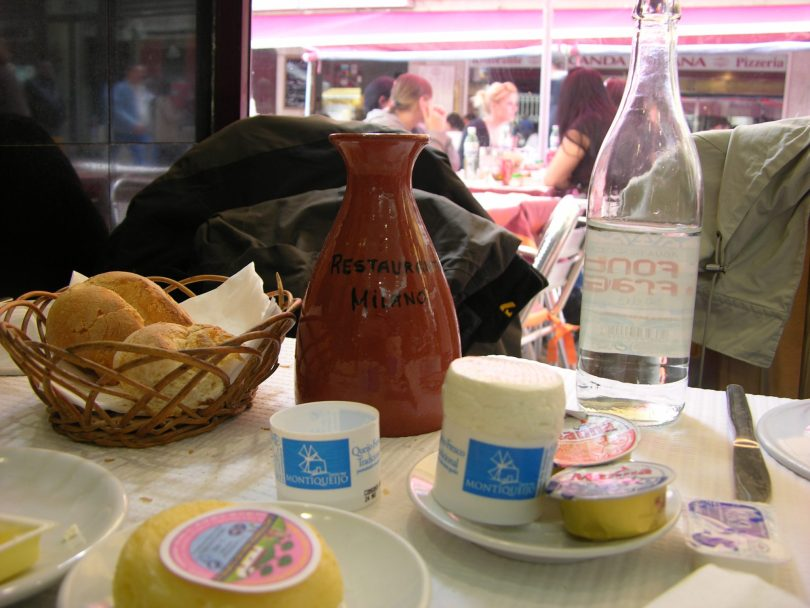 Couverts et aperitifs du Restaurant Milano - Lisbonne - Photo flickr de viagensimagens