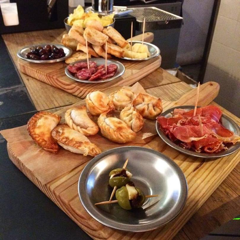 Picada Argentina - empanadas - charcuteries et chorizo de El Chanta - LX Factory - Lisbonne