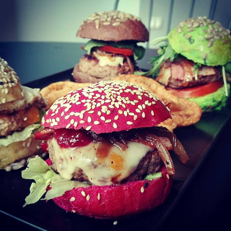 Mini burgers aux pains colores - Lisbon Burguer House & Pizza - Sports Bar - Lisbonne
