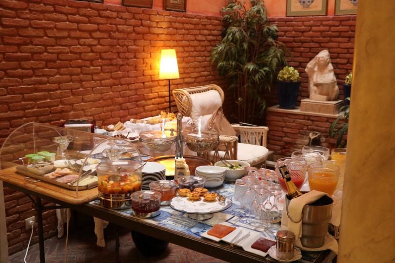 Buffet du petit-dejeuner - As Janelas Verdes - Lisbonne