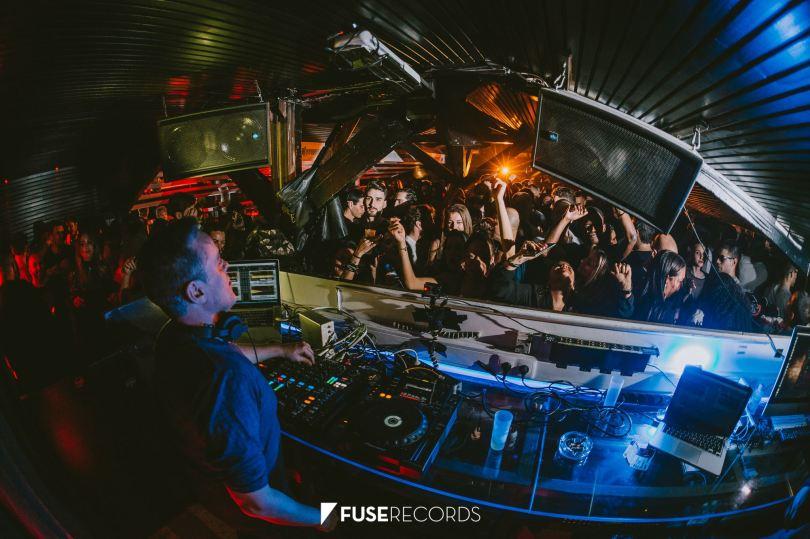 DJ et public de la discotheque Lisboa Rio - Lisbonne