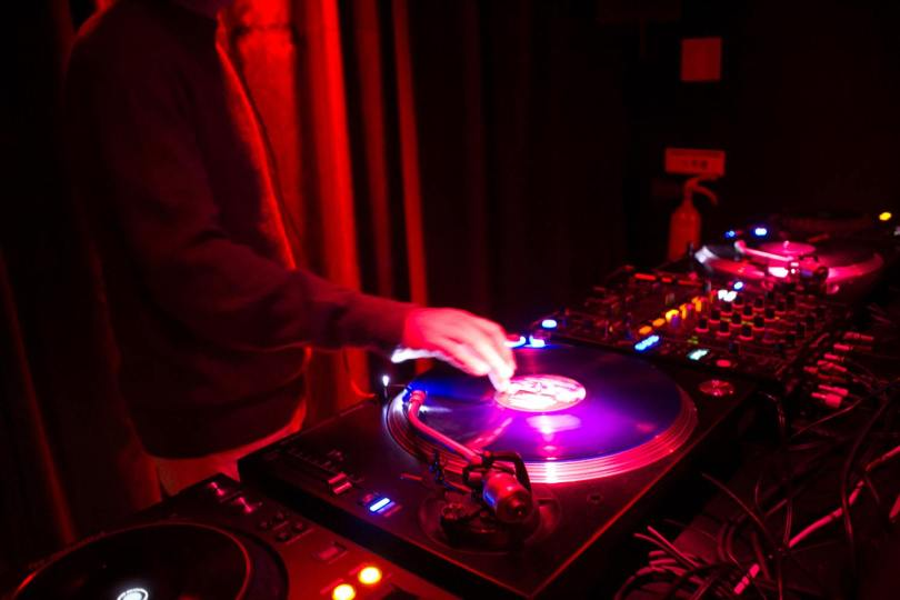 Dj en action au 5A Club de Lisbonne