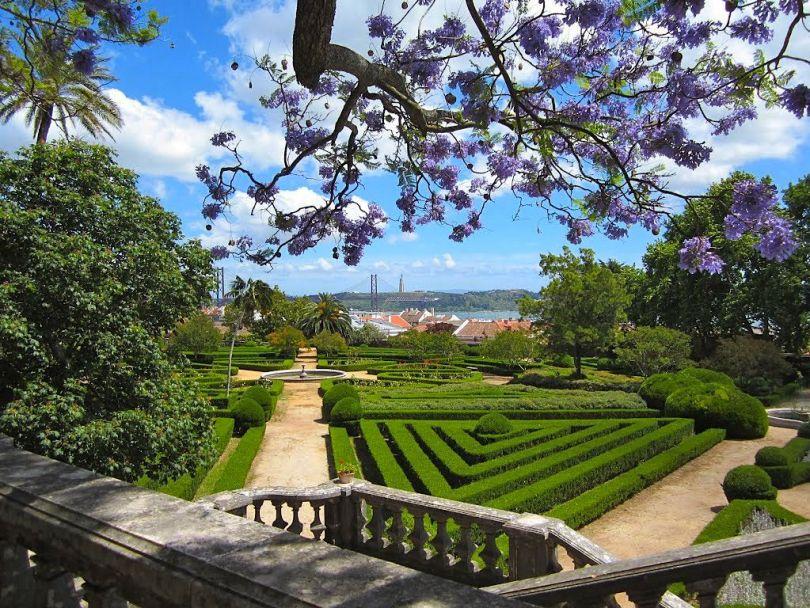 Jardin botanique de Ajuda - Vue sur le Tage et le pont 25 Avril - Lisbonne